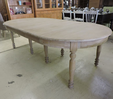 Les tables for Table ronde bois blanc avec rallonge