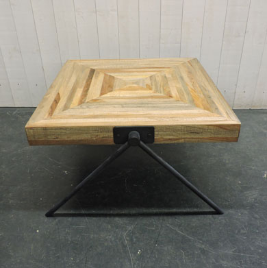 117 table basse 50 cm hauteur table basse carr e en bois for Table basse hauteur 50 cm