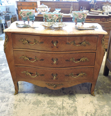 commode ancienne galbee