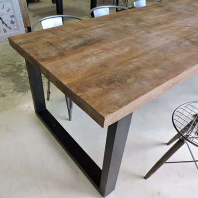 Salle manger style industriel for Pietement table metal