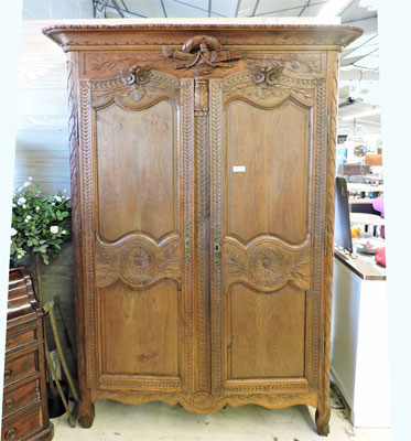 vente armoire ancienne. Black Bedroom Furniture Sets. Home Design Ideas