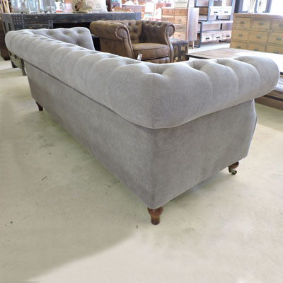 Les salons for Canape chesterfield tissu gris
