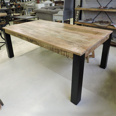 Salle manger style industriel for Table design industriel