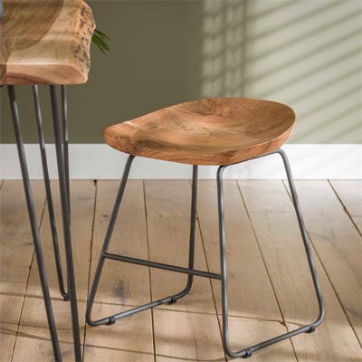 tabouret_assise_bois_pieds_metal